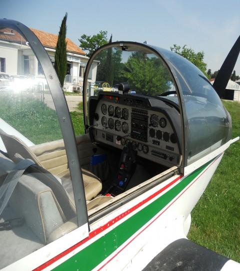 La Colonie « apprendre à piloter un avion » 2014.